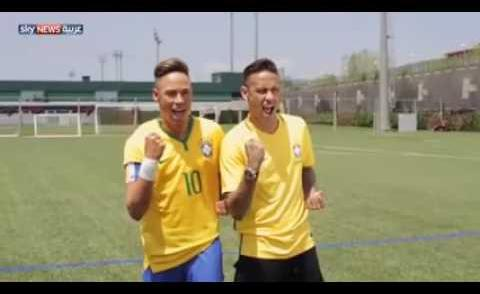 Embedded thumbnail for Neymar rencontre sa statue de cire